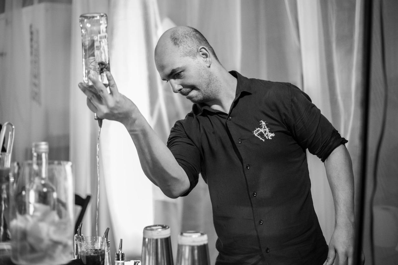 Destilaria H. Weber promove 1º Torneio de Cocktails