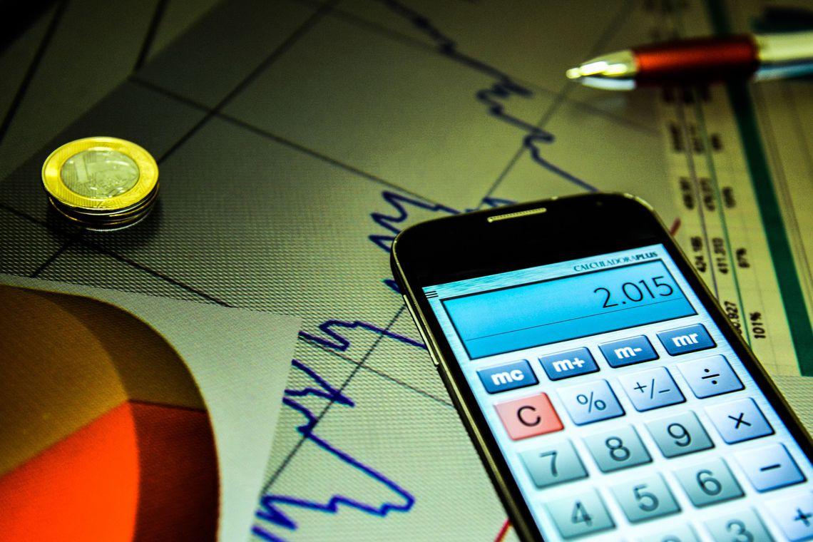 Índice da bolsa de valores bate novo recorde, acima de 93 mil pontos