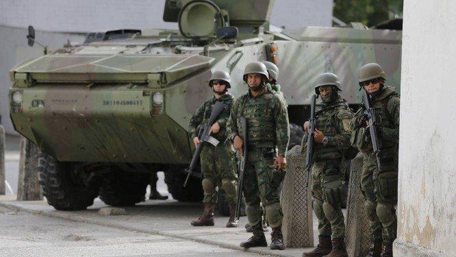 Equipe de Paulo Guedes negocia a inclusão de militar na reforma da Previdência, por Marcello Corrêa, Martha Beck e Gabriela Valente/O Globo