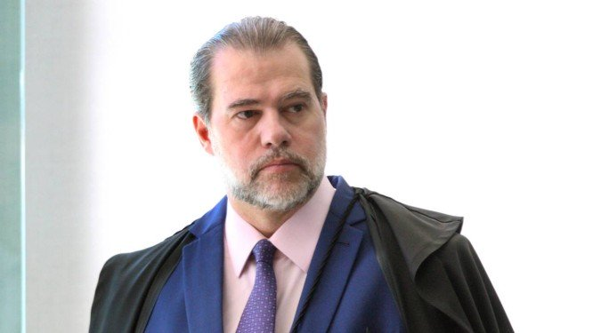 Toffoli revoga decisões que poderiam destinar bilhões da educação básica para advogados, por Carolina Brígido e Vinicius Sassine/O Globo