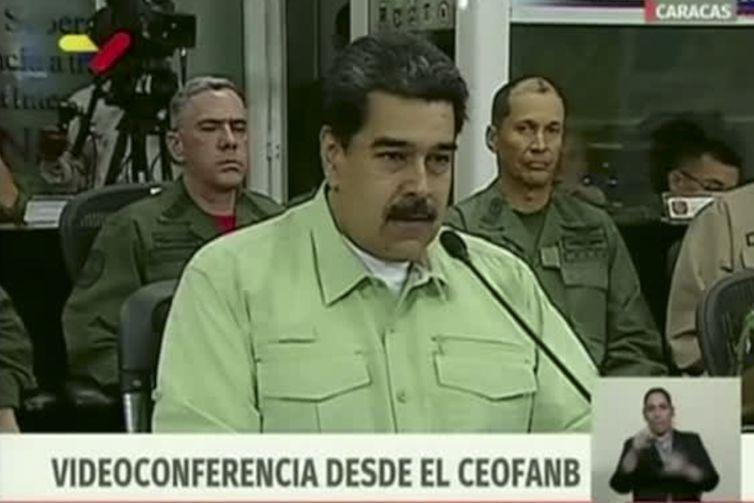 Maduro anuncia fechamento da fronteira com o Brasil a partir das 21h de Brasília