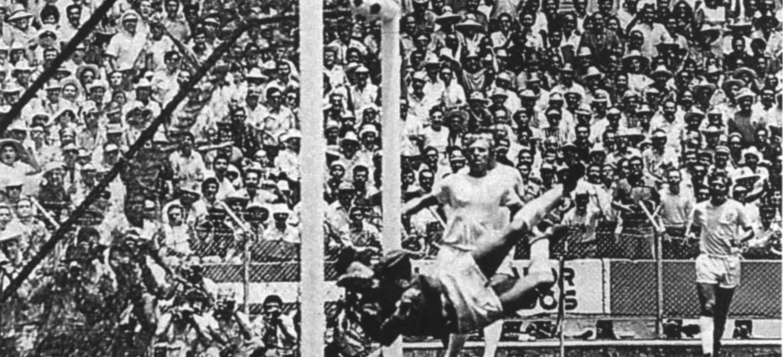 """Morre Gordon Banks, goleiro de """"defesa do século"""" em lance com Pelé"""