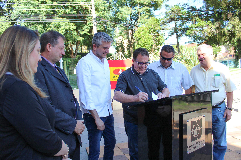 Porto Alegre: Asun adota canteiro central da Plínio Brasil Milano