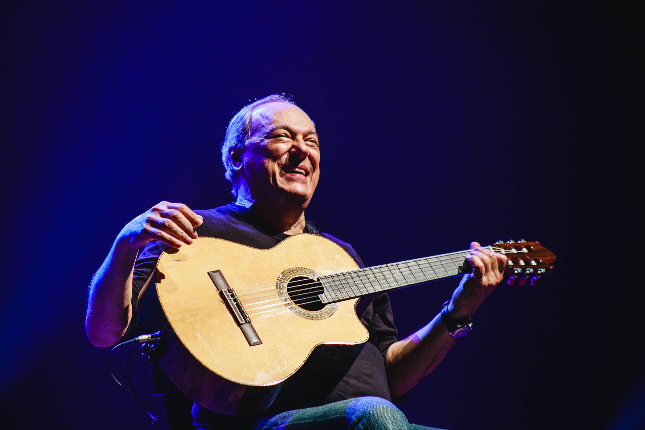 Porto Alegre: O final de semana é de Toquinho no Theatro São Pedro. Músico faz show e confere estreia nacional  do musical Casa de Brinquedos
