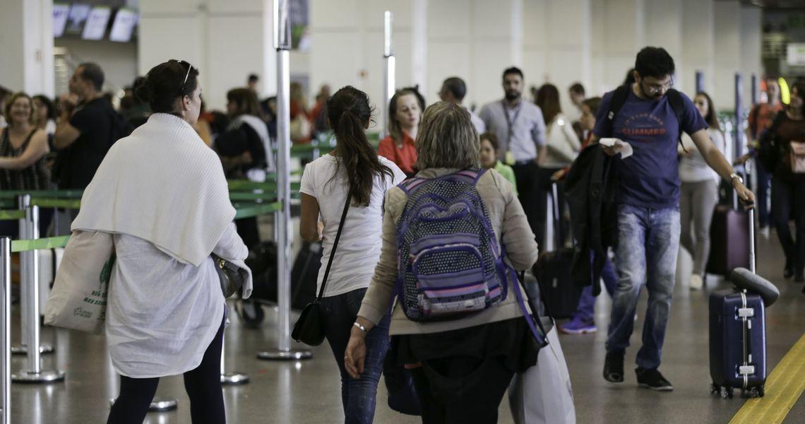 Concessão de 12 aeroportos será leiloada sexta-feira em São Paulo. Juntos, os terminais recebem 19,6 milhões de passageiros por ano