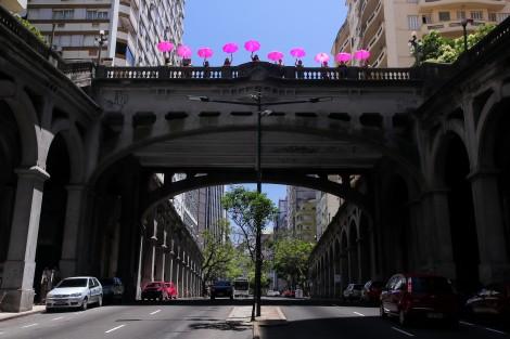 Porto Alegre: Viaduto Otávio Rocha recebe feiras e mostras de arte neste sábado