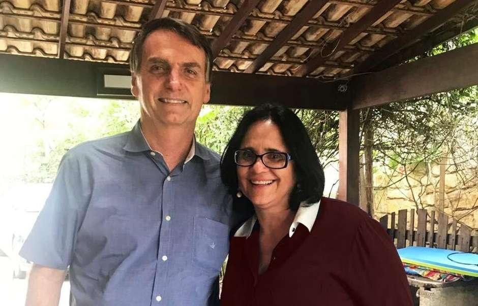 Bolsonaro: Damares atua para desfazer malfeitos de governos anteriores