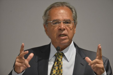 CCJ da Câmara confirma audiência com Guedes na próxima terça-feira