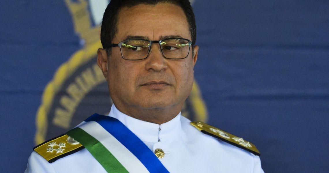 Almirante diz que mudança na aposentadoria de militar exigirá ajustes