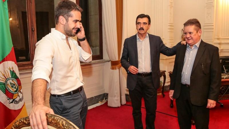 """RS: """"A vitória mostra convergência na agenda que propomos"""", afirma Leite após aprovação de PEC em 1º turno"""