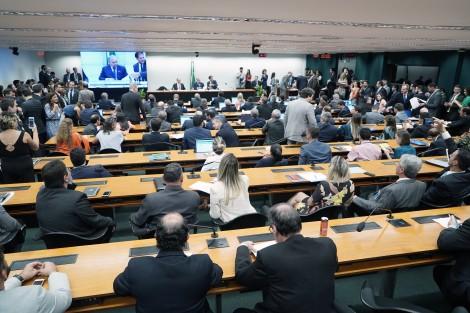 Governo negocia mudanças no texto para aprovar reforma