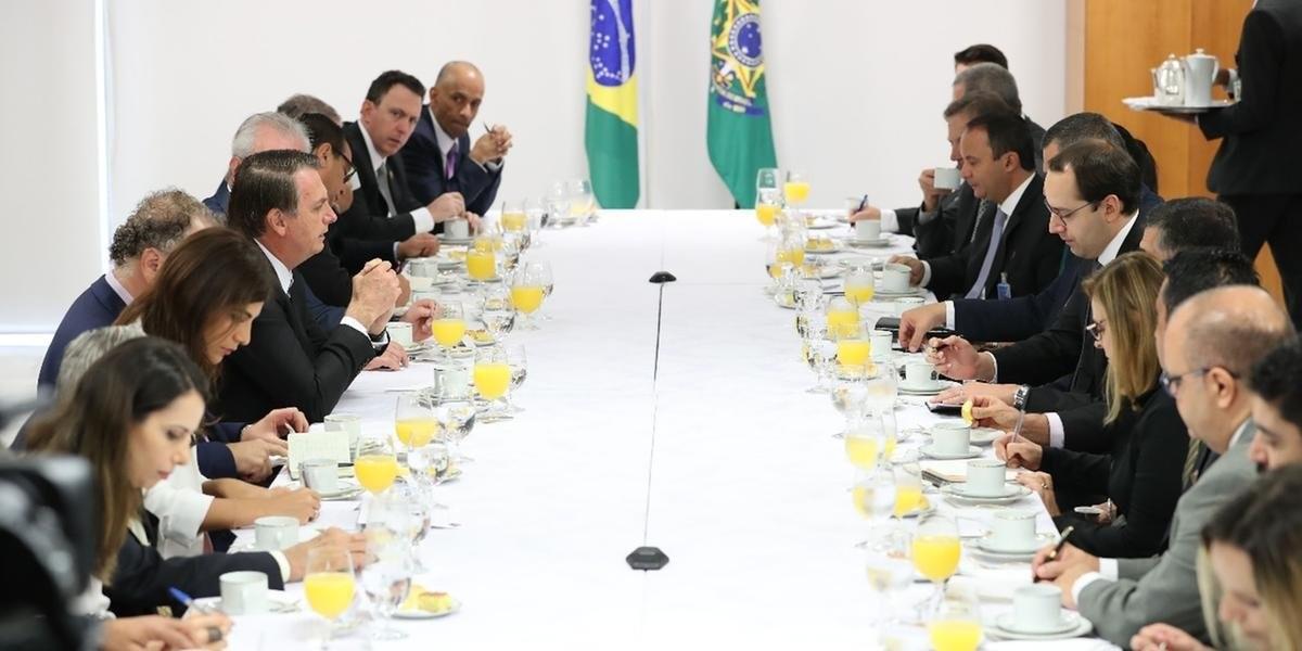 """""""Fechar instituições está mais para Maduro do que para Jair Bolsonaro"""", afirma presidente; do Correio do Povo"""