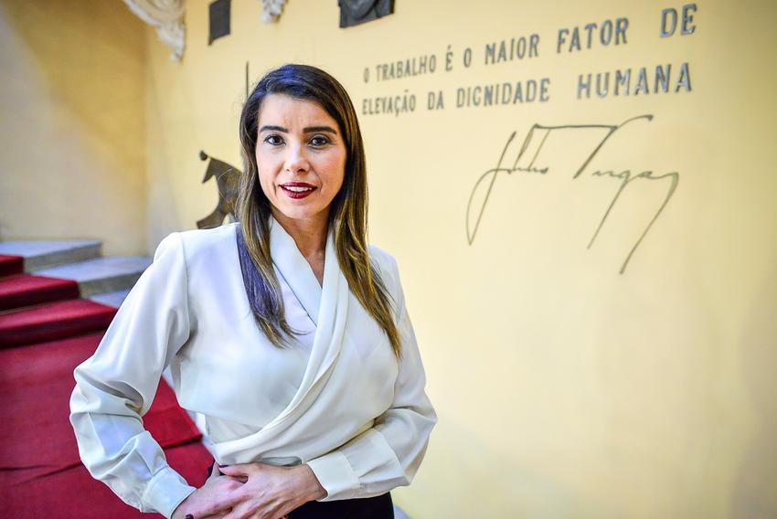 Porto Alegre:  Advogada Luciane Rache assume como adjunta da Secretaria da Transparência