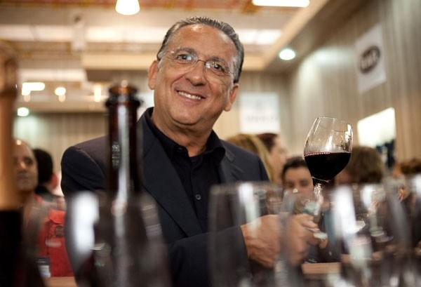 Vinhos: Bueno Anima Gran Reserva Merlot 2015, ganha sua primeira medalha internacional de Ouro no Concours Mondial de Bruxelles 2019. Vinho é produzido por Galvão Bueno na Campanha Gaúcha