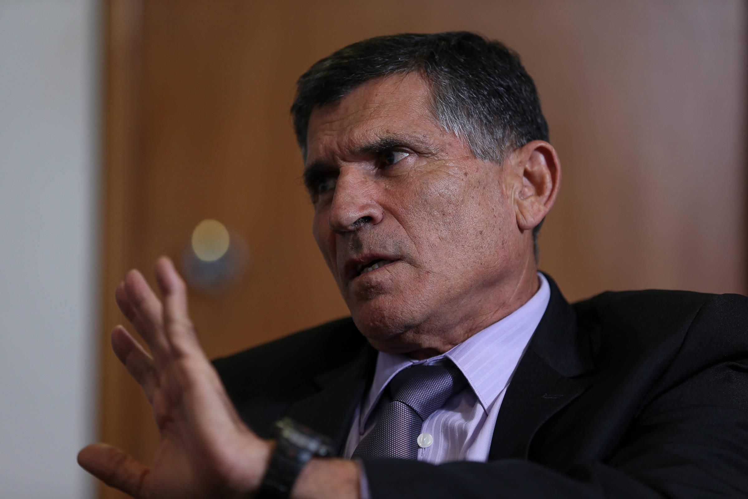 Bolsonaro demite general Santos Cruz da Secretaria de Governo; Thais Arbex e Daniel Carvalho/ Folha de São Paulo
