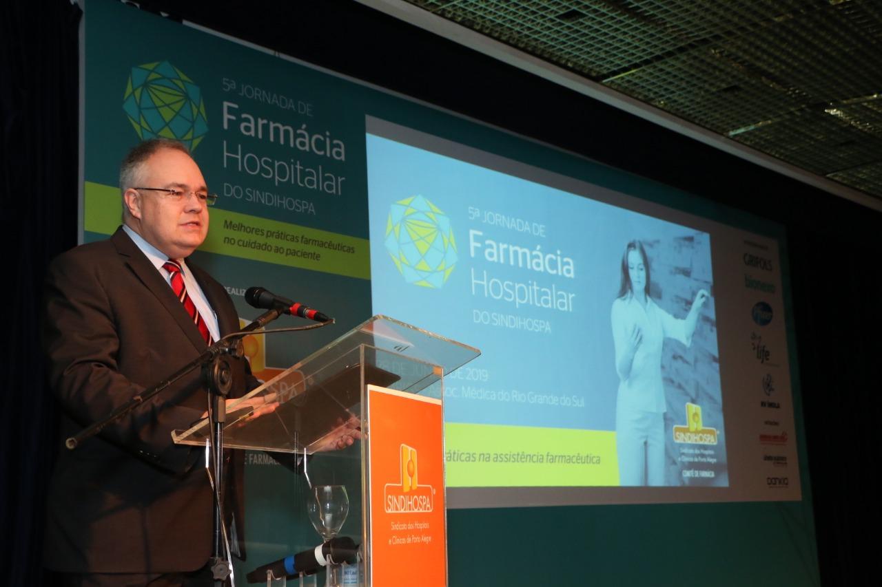 Porto Alegre: Uso seguro de medicamentos é destaque na 5ª Jornada de Farmácia Hospitalar. Reunindo mais de 200 profissionais, evento do SINDIHOSPA trouxe palestrantes nacionais