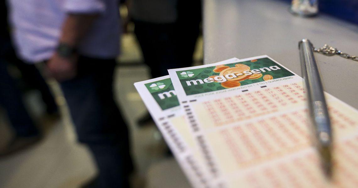 Prêmio da Mega-Sena sai para aposta feita em Osasco. Aposta única leva mais de R$ 124 milhões