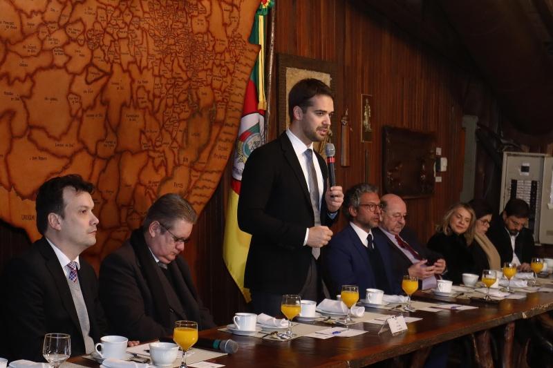 Governador Eduardo Leite apresenta novo código ambiental