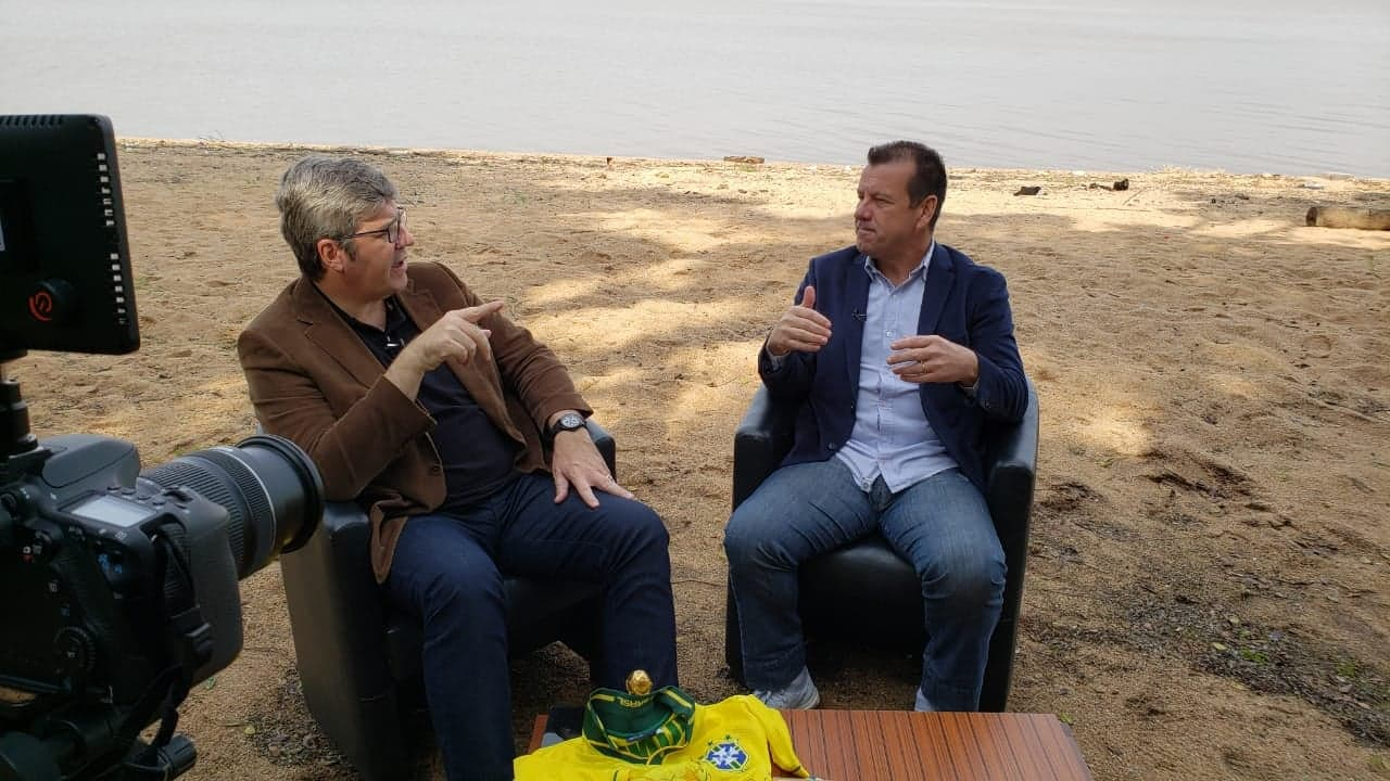 TV: BahTchê Papo! com Felipe Vieira celebra um ano conversando com Dunga sobre a conquista do Tetra Campeonato Mundial, família, responsabilidade social e outros assuntos
