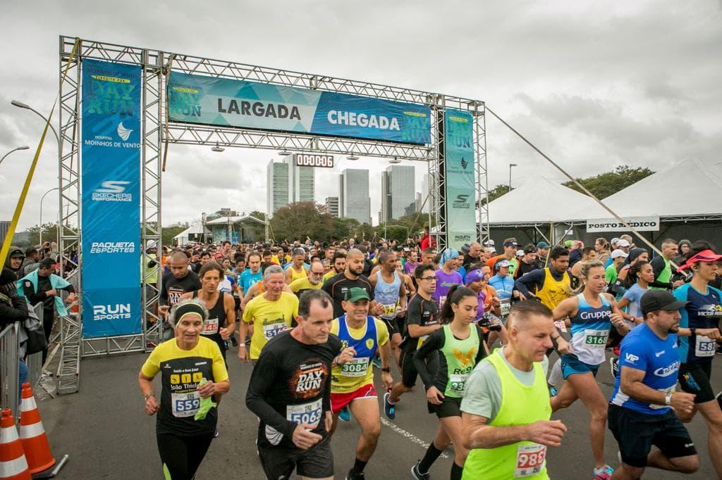 Porto Alegre: Circuito Hospital Moinhos de Vento Poa Day Run reúne 5,5 mil atletas às margens do Guaíba. Em sua segunda etapa, evento busca incentivar hábitos saudáveis entre os gaúchos