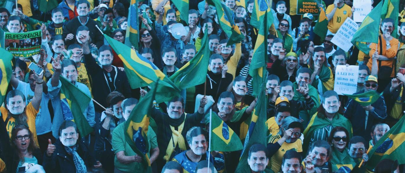 Porto Alegre: Milhares participam de protesto contra a lei de abuso de autoridade e manifestam apoio a Sérgio Moro