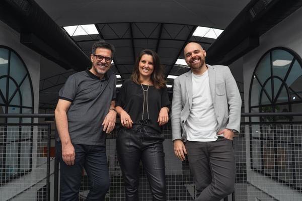 Cesar Paz, Cristiano Fragoso e Liana Bazanela criam a Do It. Voltada à estratégia para marcas, a empresa é a sétima iniciativa a integrar o Ecosys 727; da Coletiva.net
