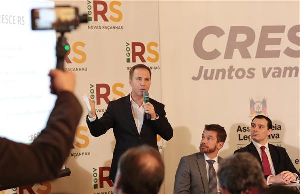 """""""Há muitos anos o Rio Grande do Sul não tinha condições de fazer esta convergência"""", diz Lara no lançamento do Movimento Cresce RS"""