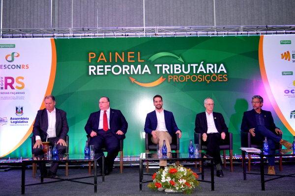"""Encontro na Expointer debateu a Reforma Tributária. """"Carta de Esteio"""" será entregue a Rodrigo Maia"""