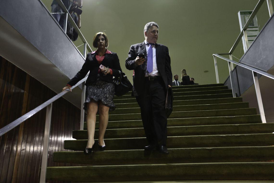 MP prende Garotinho e Rosinha, ex-governadores do Rio