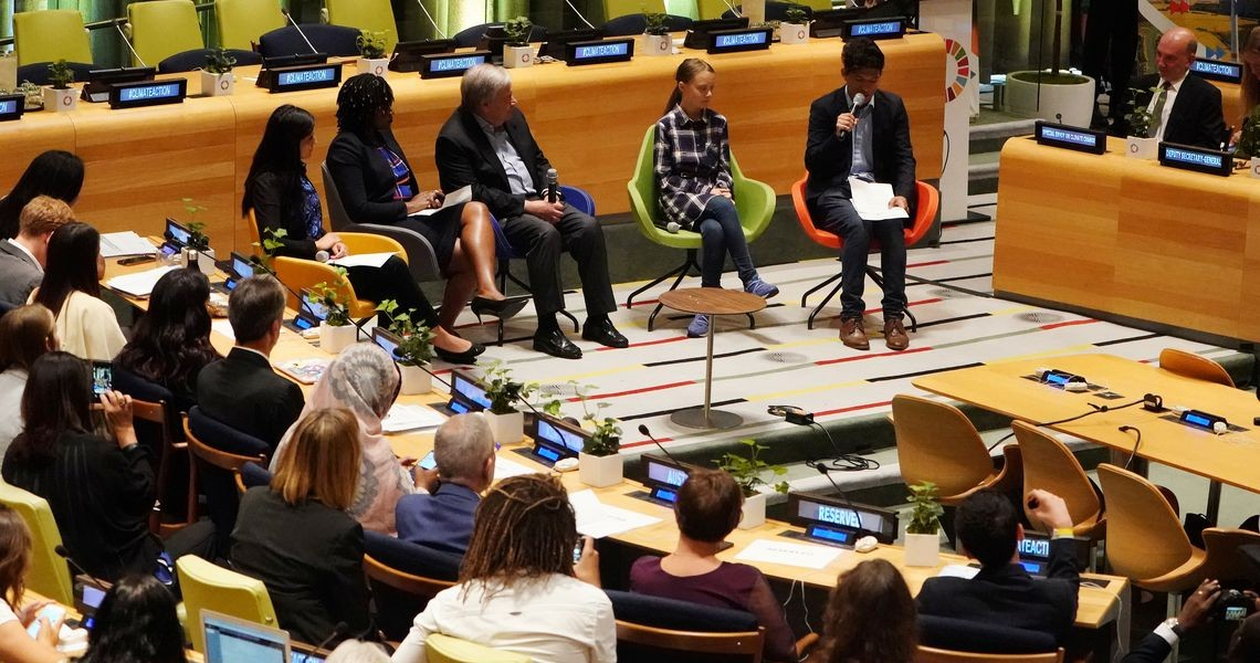 Cúpula do Clima da ONU começa com mensagem de jovens ativistas