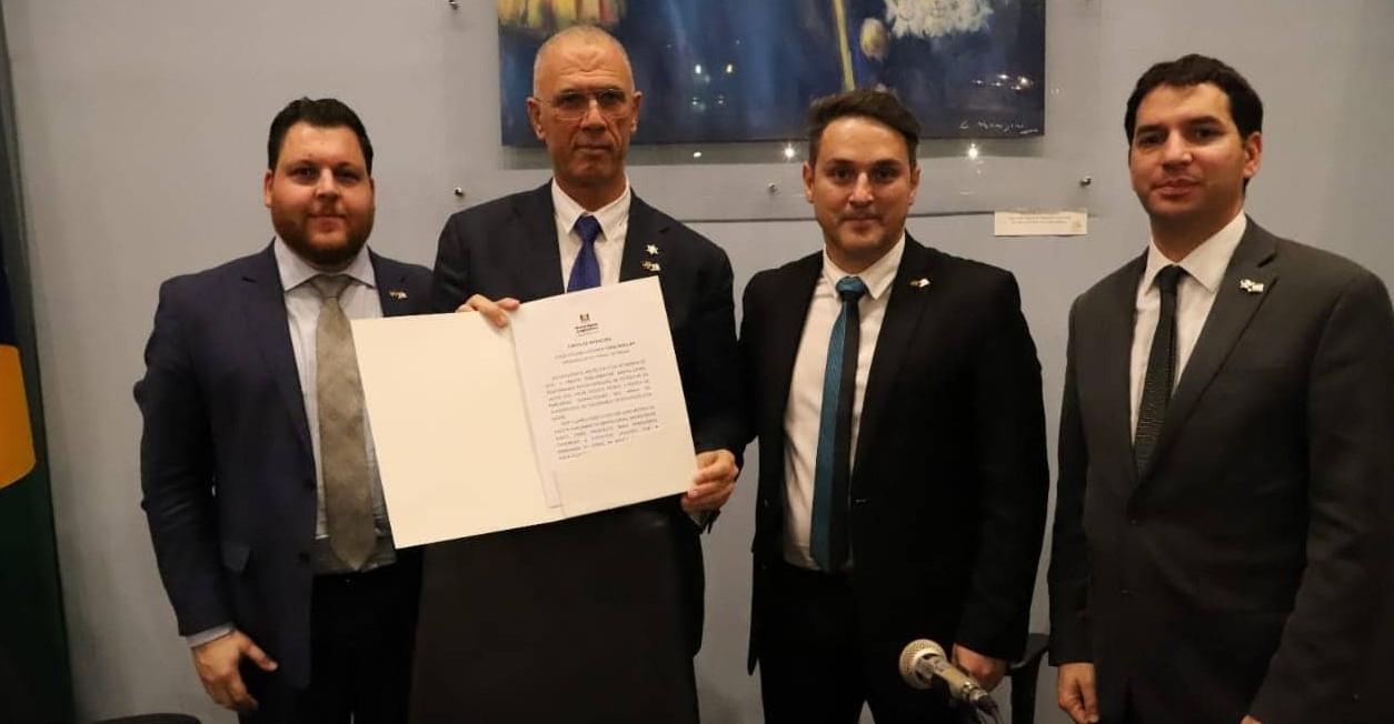 RS: Frente Parlamentar Brasil-Israel é lançada em encontro com Embaixador Israelense. Deputado Zucco apresentou carta de intenções com os principais pontos a ser trabalhado em conjunto pelos parlamentos dos dois países