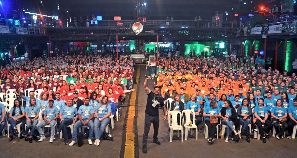 Porto Alegre: Rodrigo Pimentel foi o palestrante da 10ª Convenção de Colaboradores REDEMAC