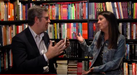 """SBT Entrevista: Martha Medeiros revela que está com um roteiro original pronto para o cinema. Escritora fala de futuro, da paixão pelo Inter, situação política do país e o """"novo"""" movimento feminista"""