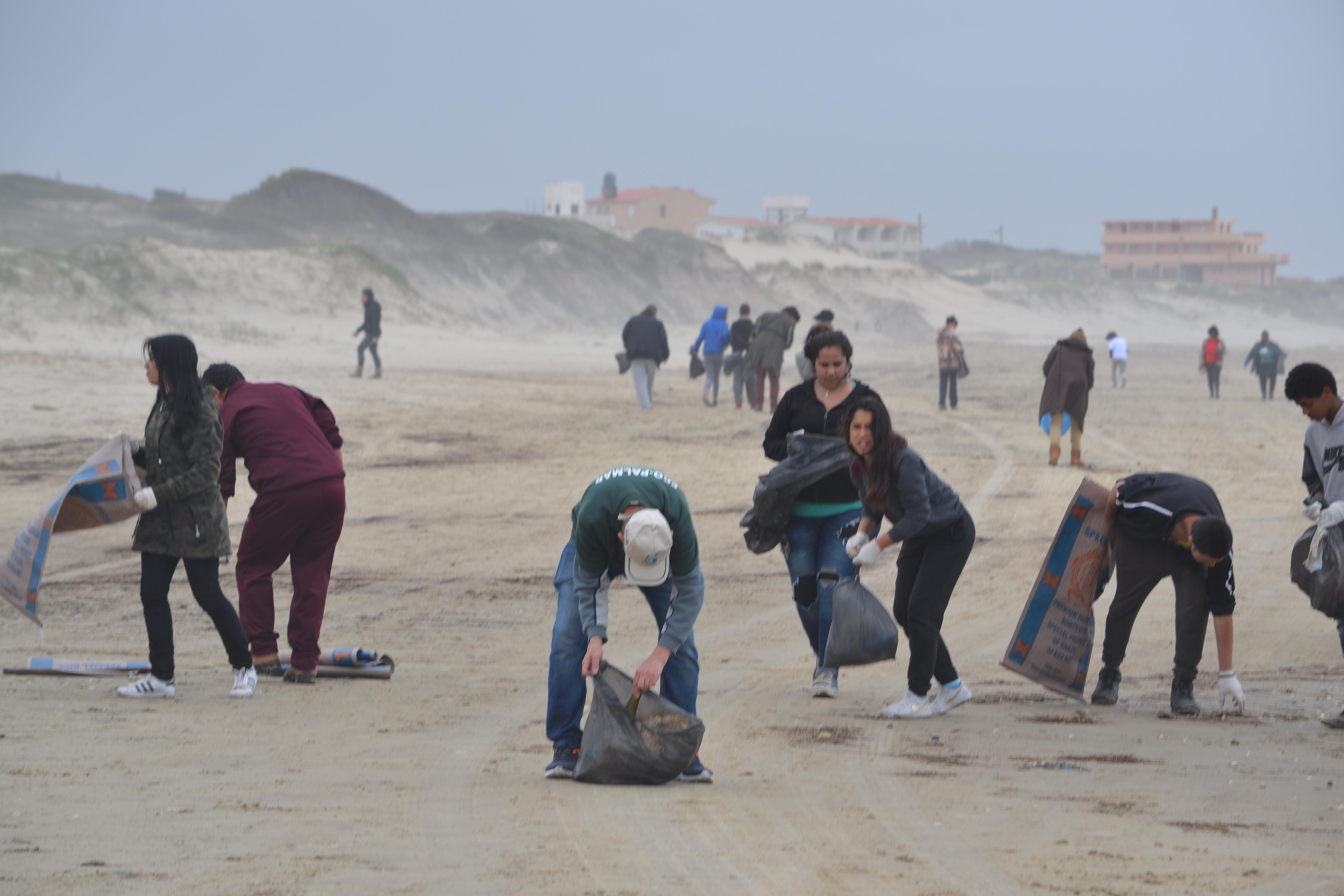 Pelo terceiro ano consecutivo a equipe do Caminho dos Faróis participa da campanha Mares Limpos