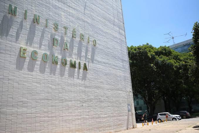 Governo avalia aumentar fundo eleitoral de R$ 1,8 bilhão para R$ 3,7 bilhões