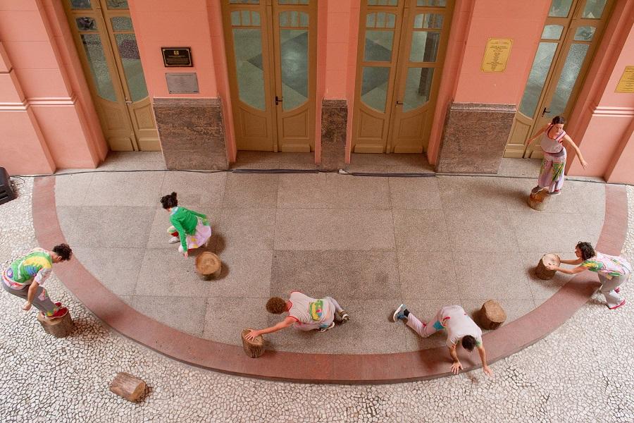 Porto Alegre: Dulce Helfer e Gilberto Perin traduzem em imagens a pluralidade da Casa de Cultura Mario Quintana em exposição de fotos a partir do dia 25