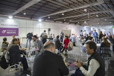 Projeto Comprador deve movimentar R$ 10 milhões em negócios durante a Wine South America. Duzentos e trinta representantes do trade nacionais e internacionais participarão da maior feira setorial da América Latina