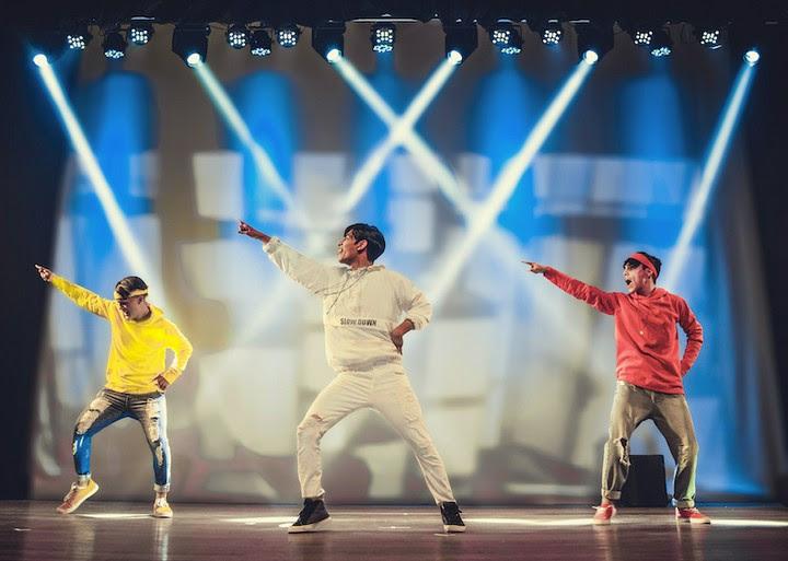 Porto Alegre: Peça Adolescer traz coreografias K-Pop e discussão de temas atuais para o palco neste sábado