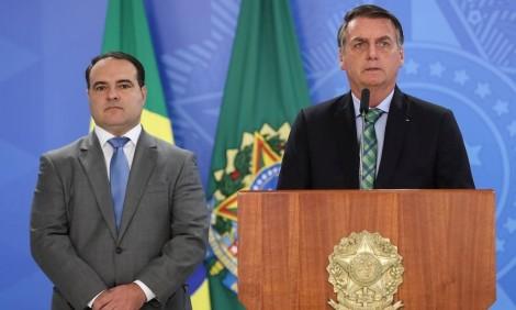 Com receio de traição, Bolsonaro troca núcleo duro do governo