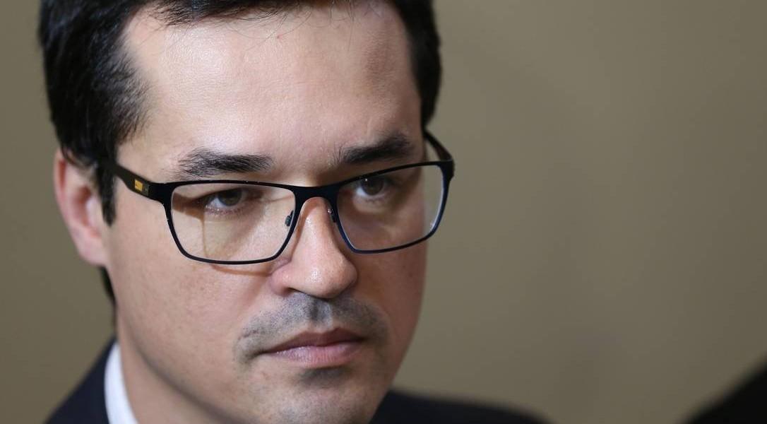 Procuradoria avalia 'saída honrosa' para Dallagnol da força-tarefa