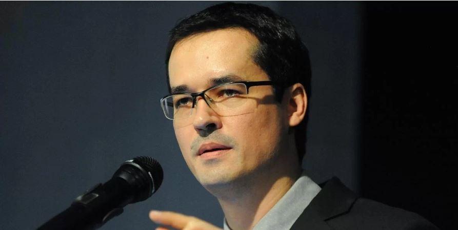Deltan Dallagnol defende Operação Lava-Jato em palestra em Porto Alegre