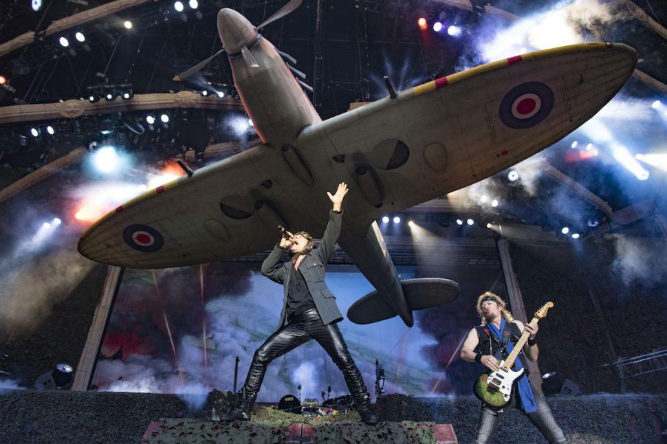 """Iron Maiden chega com """"Legacy Of The Beast Tour"""" em Porto Alegre. Confira todas informações de serviço do grande show de quarta-feira na Arena"""