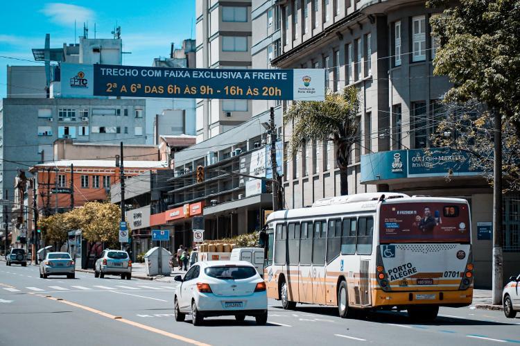 Porto Alegre: EPTC inicia operação de novas faixas exclusivas nesta segunda