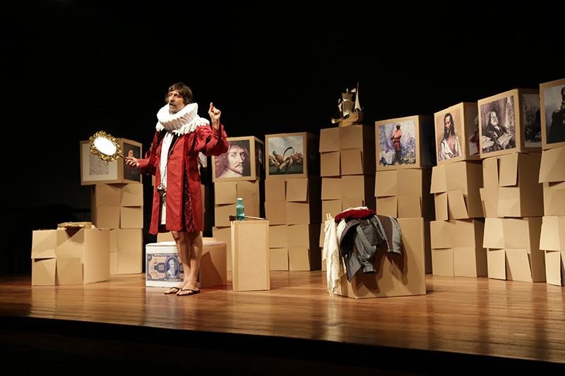 """""""Não Vai Cair No Enem! Uma peça"""": Peninha retorna ao palco do Theatro São Pedro entre sexta-feira e domingo"""