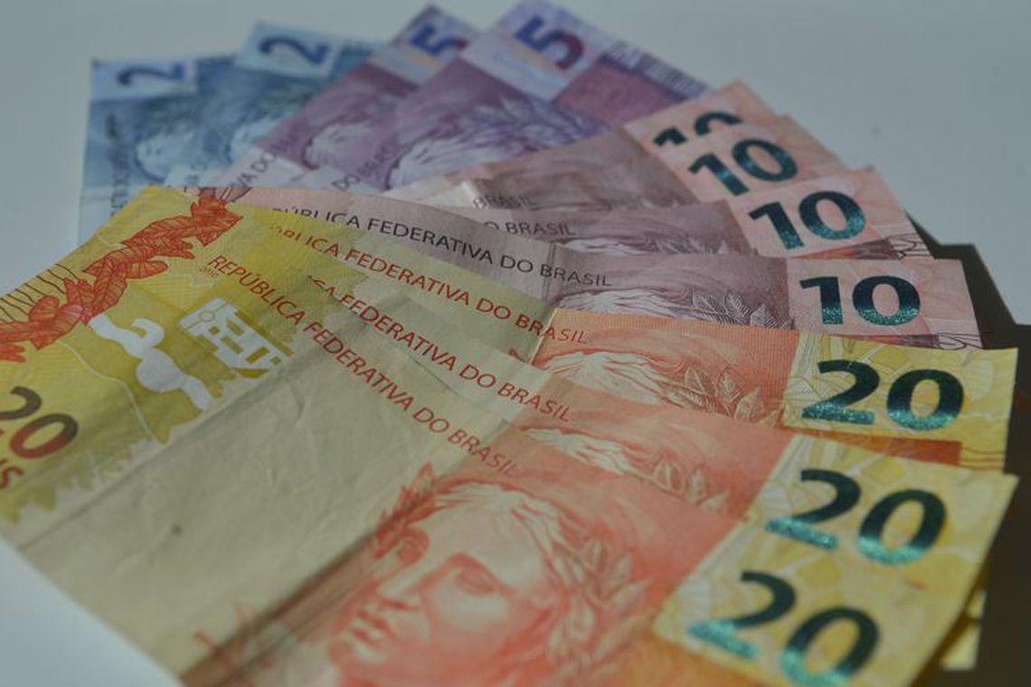 Pagamentos instantâneos podem aumentar receita de bancos em US$ 500 bi.  Já bancos que não adotarem modelos inovadores devem perder receita