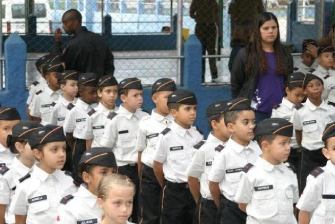 Educação: Entenda as diferenças entre os modelos de escolas cívico-militares propostos pelo MEC