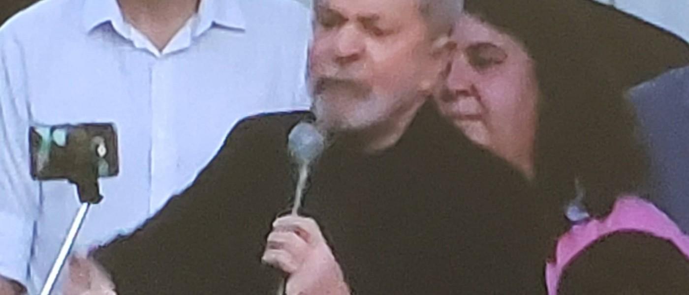 Ex-presidente Lula é solto após 580 dias preso em Curitiba. Petista deixou a Superintendência da Polícia Federal na tarde desta sexta-feira; do Correio do Povo