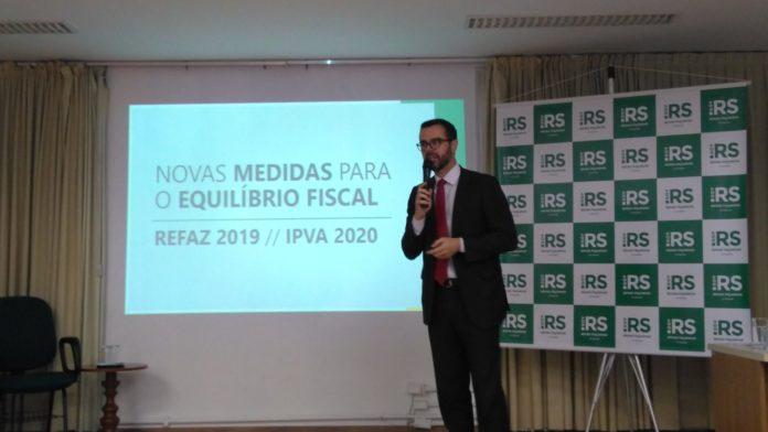 Governo do RS anuncia fim do parcelamento do IPVA de 2020. Imposto deverá ser pago apenas entre os dias 6 e 30 janeiro; por Gustavo Chagas /Rádio Guaíba