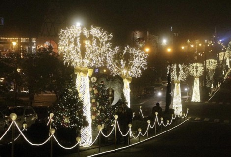 Iluminação de Natal encanta visitantes e moradores de Gramado