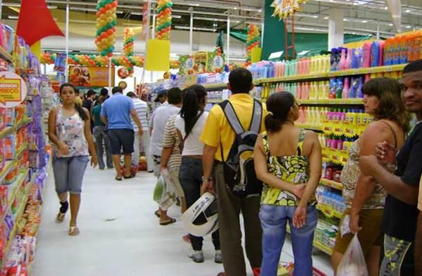 RS: Vendas de Natal crescem 9% nos supermercados gaúchos. Semana do Réveillon vai movimentar lojas do setor novamente